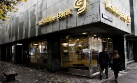 Den krakkede Roskilde Bank blev et af finanskrisens mest markante symboler. Arkivfoto: Scanpix