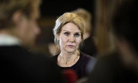 Danske liv. Statsminister Helle Thorning-Schmidt betonede igen og igen i Folketingets spørgetime vigtigheden af at samarbejde med allierede efterretningstjenester for et redde danske liv.