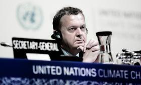 Lækkede oplysninger fra NSA viser, at tjenesten spionerede under COP15 og tilsyneladende også mod Danmark. Det står i modsætning til, hvad statsminister Helle Thorning-Schmidt og den amerikanske ambassadør i Danmark har tilkendegivet.