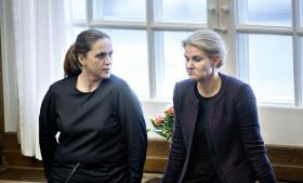 Karen Hækkerup og Statsministeren under debatten om NSA aflytning