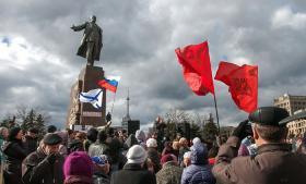 Pro-russiske demonstranter i den øst-ukrainske by Kharkiv i weekenden