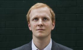 22-årige Jack Duffin har i otte år været medlem af EU-modstanderpartiet UKIP. Det er ikke EU-kampen, der driver ham, men mere protesten mod de elitære britiske politikere, som har kørt samfundet ned med deres afmontering af en social stat, der tog sig af de mindrebemidlede.