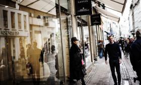 Ikke kun indkomst, men også formuer betyder noget for folks forbrugsmuligheder – man kan både købe ting for sin løn og for sin formue. Derfor er formuen relevant at medtage i ulighedsberegninger, påpeger økonomiprofessor Bo Sandemann Rasmussen.