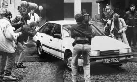 Det vakte enorm opmærksomhed, da det i 1989 kom frem, at der i årevis i Danmark havde eksisteret en hemmelig dansk PFLP-celle, der stod bag omfattende røverier. Mindst overraskede var formentlig PET, der i årevis havde overvåget og aflyttet medlemmer af cellen, som i offentligheden blev kendt som Blekingegadebanden. Her et foto fra maj 1991 i forbindelse med retssagen.