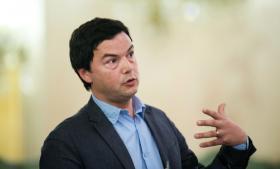 En af grundene til, at Thomas Piketty er tilhænger af en formueskat, er, at det 'vil være en måde at udvikle mere finansiel gennemsigtighed og mere pålidelige kilder til information om formue-dynamikker'.