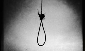 Over 600 danskere tager hvert år deres liv, men vi taler sjældent om selvmord, og pressen skriver sjældent om emnet. Der er behov for at bryde tabuet, lyder det fra eksperter, fagfolk og efterladte