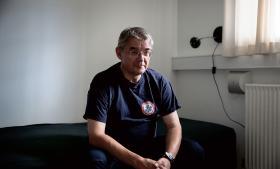 Akutlæge Søren Loumann Nielsen er ofte ude og forsøge at redde mennesker, der ønsker at tage deres liv. En del af dem har han held med at redde tilbage til livet.