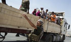 Tusindvis af yazidier og kristne er på flugt fra IS-bevægelsen. Mange forsøger at komme ind i den kurdiske del af Irak