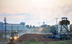 Tyrkisk militær intensiverede i juli patruljeringen omkring Sanliurfa nær den syriske grænse som svar på angreb fra Islamisk Stat. Nu forbereder gruppen endnu et fremstød mod den 200 km lange grænse, der er strategisk vigtig