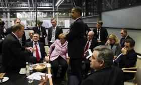 I al fortrolighed? Da Vestens ledere mødtes uformelt for at drøfte mulighederne under COP15 i København, var nogle af deltagerne bedre klædt på end andre. Efterretningstjenester holdt i hvert fald USA's og Storbritanniens ledere informeret om de øvrige landes strategier.