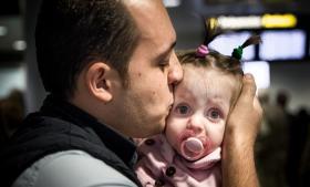 Torsdag i sidste uge blev Yahia Alhomsi familiesammenført med sin hustru og et-årige datter efter syv måneders sagsbehandling.