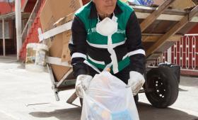 Bogotás uformelle skraldesamlere er blevet rekrutteret til byens affaldssortering.