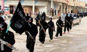 Islamisk Stats opblussende voldsterror er den sikre vej til at skubbe de muslimske masser væk, som jihadisterne netop håber på at mobilisere, siger den franske islam- og terrorforsker, Gilles Kepel. Vi er nået til tredje fase i jihad- og  kalifat-projektet, siger han, men selv muslimske sympatisører vender sig nu væk i afsky