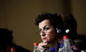 'Med det, vi kunne nå i Paris, blev der tændt enorme flammer af håb. Der er virkelig stor fortrøstning at hente i bevidstheden om, at når vi beslutter at gøre noget, så kan vi også effektuere det,' siger Christiana Figueres, FN's klimachef, der erkender, at COP 21-aftalen ikke er perfekt, men dog mener, at den er mere, end man havde turdet håbe på før forhandlingerne.