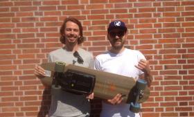 Johannes Schewe og Kilian Green går ikke på kompromis med komponenterne til deres elektriske board – de skal holde længe og bidrage til 'den fedeste køreoplevelse'.