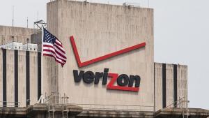 Den første NSA-historie, der blev offentliggjort i den engelske avis The Guardian, handlede om NSA's indsamling af data fra det amerikanske teleselskab Verizon. Men den data NSA indsamlede om de mange millioner Verizon-kunder var ikke optagelser af de faktiske telefonopkald, men derimod såkaldt metadata, som f.eks., hvem ringede til hvem, hvorfra og hvornår. Foto: Scanpix