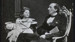 H.C. Andersen forventede altid breve fra sine talrige korrespondenter. Nu er 415 breve mellem Andersen og den melchiorske familie samlet i et mønstergyldigt bogværk.