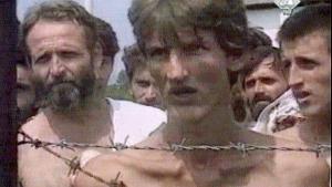 Luk øjnene og sig 'Balkan', opfordrer den kroatiske forfatter Slavenka Drakulic til og forudser, at det næppe er det smukke blå Adriaterhav, der toner frem, men snarere ligene fra Srebenicas massegrave, krigsforbrydere som Ratko Mladic, grædende kvinder i hovedtørklæder eller ansigtet af en skeletlignende ung mand, der kigger ud igennem pigtråden i en serbisk kz-lejr.