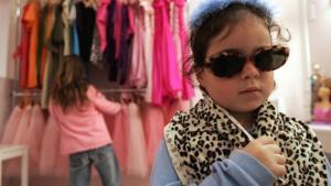I Buenos Aires er netop åbent en 650 kvadratmeter Barbie-butik. fuld af lyserødt tilbehør, hvor piger kan få manicure og andre voksne ting.