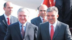 De to arvefjenders regeringer er enige om at søge parlamentarisk godkendelse af to protokoller om åbning af grænsen, udveksling af ambassadører og en mindelig løsning på 'folkemord'-striden
