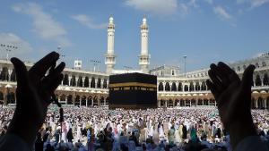 Den Hellige Moske i Mekka, november 2009. Tusindvis af pilgrimme går den sidste tur rundt om kaaba'en. Sidste uge trak den årlige Haij-pilgrimsfærd omkring 2.5 millioner muslimer til Mekka. Foto: Scanpix