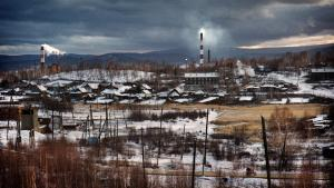 En af de mest forurenede byer i verden, Karabash i Chelyabinskaya regionen i de sydlige Uralbjerge i Rusland, er tynget af en beskidt arv af kobberminer, udledninger af kemi og tungmetaller og udslip af radioaktivitet. Foto: Yuri Kozyrev