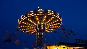 Kræmmermarkedet starter torsdag aften i Storebededagsferien med koncerter og et åbent Tivoliland. I år var hovednavnene Medina og Rasmus Seebach. Foto: Kristine Kiilerich