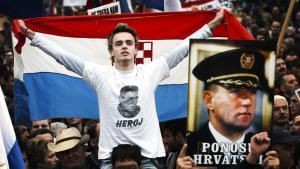 Retsforfølgelsen af den kroatiske eksgeneral Ante Gotovina har vakt vidstrakte protester i Kroatien — ikke bare i går, men også tidligere i det eksjugoslaviske land, hvor befolkningen føler, at det er deres nation, der er på anklagebænken.