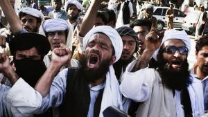 Pakistanske tilhængere af Osama bin Laden fordømmer drabet på sheiken i den pakistanske by Quetta.