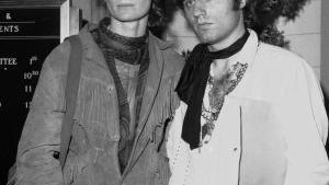 Historie. Gerard Malanga var centralt placeret i 1960'ernes æstetiske maskinrum blandt andet som Andy Warhols assistent. Her er han sammen med skuespillerinden Viva.