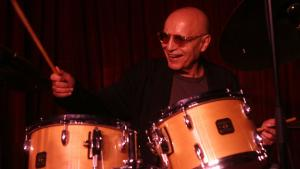 Fra Bill Evans legendariske trio til Keith Jarrett and beyond. En af den moderne jazz mest lydhøre og begavede trommeslagere er død. Paul Motian blev 80
