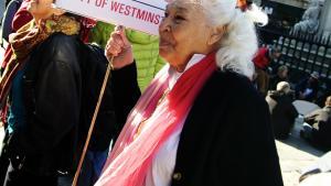 Feminisme. Hvordan det er at være kvinde i dagens Egypten, kan man bl.a. læse om hos landets grand old lady Nawal El Saadawi, der her deltager i en Occupy demonstration i London.