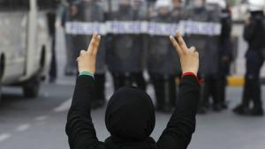 Søndag køres der Formel 1-løb i en torturstat, og i 2014 skal der afholdes VM i ishockey i Europas sidste diktatur, Hviderusland: Sport kan ikke skilles fra politik, for sport har altid været godt for tyranners imagepleje