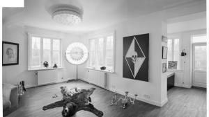 Der er ikke langt fra auktionshusenes eftersyn til 'Underværker' i Aalborg, der fremstår som en parade af mellemværker fra kendte, populære og letomsættelige kunstnere