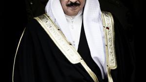 Bahrains monark, Hamad bin Isa Al Khalifa, har spenderet over 32 millioner dollar på public relations for at dække over alvoren af protesterne i det lille emirat ved Golfen siden foråret 2011. Han betalte en række af pr-branchens sværvægtere i USA og Storbritannien, først og fremmest pr-kæmpen Qorvis, for at pynte på undertrykkelsen og miskreditere styrets kritikere.