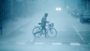 Klimaændringerne foregår for øjnene af os, siger FN's meteorologiske organisation, der har lagt en oversigt over årets voldsomme oversvømmelser, hedebølger, tørkeperioder, tropiske storme og voldsomme snefald foran klimaforhandlerne på COP18 i Doha