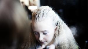 'Når jeg fået make-up på og har lavet håret, føler jeg mig som en pind, for så kan jeg slet ikke bevæge mig,' lød det fra Klara på 12 år, der er danser i Sofia & The Sugarcubes