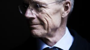 Der går en lige linje fra hans tid i Finansministeriet i 1980'erne og indførelsen af arbejdsmarkedspensioner til det arbejde med at udrede muligheden for offentlige-private partnerskaber, han i dag står i spidsen for, mener Anders Eldrup.