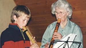 Et spil for livet. Valentine Nielbo var både facineret af bambusfløjtens lyd og af dens pædagogiske potentiale. Eleverne frembringer selv deres eget instrument og udvikler det i takt med deres dygtighed. Privatfoto