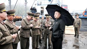 Den skøre fjende. Nordkorea er muligvis det skøreste land i verden. Men det giver faktisk mening at forsøge at regne ud, hvad der foregår i hovedet på folk, når de opfører sig på skøre måder, skriver Noam Chomsky. Foto: Reuters/Scanpix