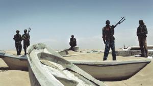 Pirater ved Somalias kyst. Danske sømænd skal have en ombudsmand til at holde øje med forløbet omkring deres forhandlinger, hvios det står til advokat Knud Foldschack. Foto: Scanpix