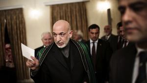 Magten i Afghanistan er centreret omkring præsidenten i en grad, der skaber ustabilitet. Hamid Karzai kan reelt udpege embedsmænd på alle niveauer i hele landet.