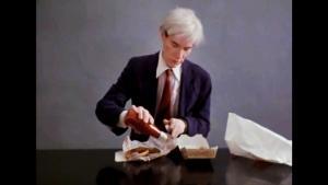 Andy Warhol i Jørgen Leths film '66 scener fra Amerika'. Scenen med den berømte amerikaner er blevet 'lånt' af en tyrkisk kunstner – til stor fortrydelse for Jørgen Leth.