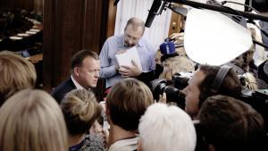 Folketingets åbningsdag. Lars Løkke Rasmussen udtaler sig ved indgangen til folketingssalen.