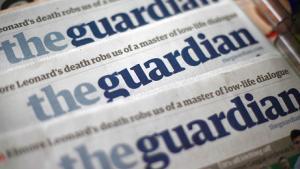 Den britiske avis The Guardian kritiseres af den borgerlige presse for sin dækning af aflytningsskandalen. Der er tale om hævn for avisens støtte for regulering af pressen, mener iagttagere