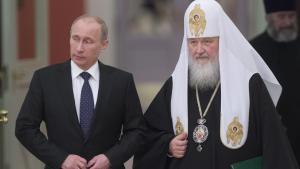 Toenigheden. Putins og Kirills alliance understøtter både Putins behov for at give sit storrussiske projekt et skær af himmelsk sandhed og patriarkens ønske om at samle de ortodokse i Rusland, Hviderusland og Ukraine under sig.