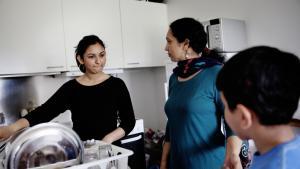Binderpal Kaur, datteren Loveleen og sønnen Tanveer har boet i asylcenter Kongelunden på Amager siden 2006, hvor de flygtede fra Indien. Tanveer har aldrig boet andre steder.