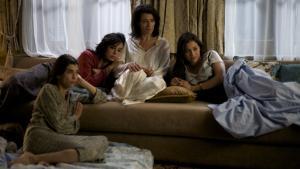 Kvinderne i Laïla Marrakchis film skal fortælle historien om araberne og vise nuancerne, siger hun.