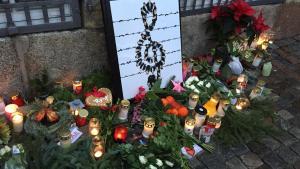 To dage efter, at Marianne Jelved endeligt besluttede at overlade beslutningen om orkestrets nedlæggelse til DR, markerede musikere fra DR's symfoniorkester sig med en protestdemonstration uden for Kulturministeriet og Christiansborg