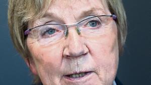 Marianne Jelved. Kulturminister (R).